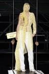 http://renoisaac.com/files/gimgs/th-60_Maison+Martin+Margiela+Spring+2006+0Z_6PS0g7Ill.jpg